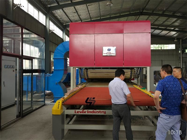 Flat dan Single Curvature Bending Glass Tempering Furnace Kaca Toughening Furnace pemasok